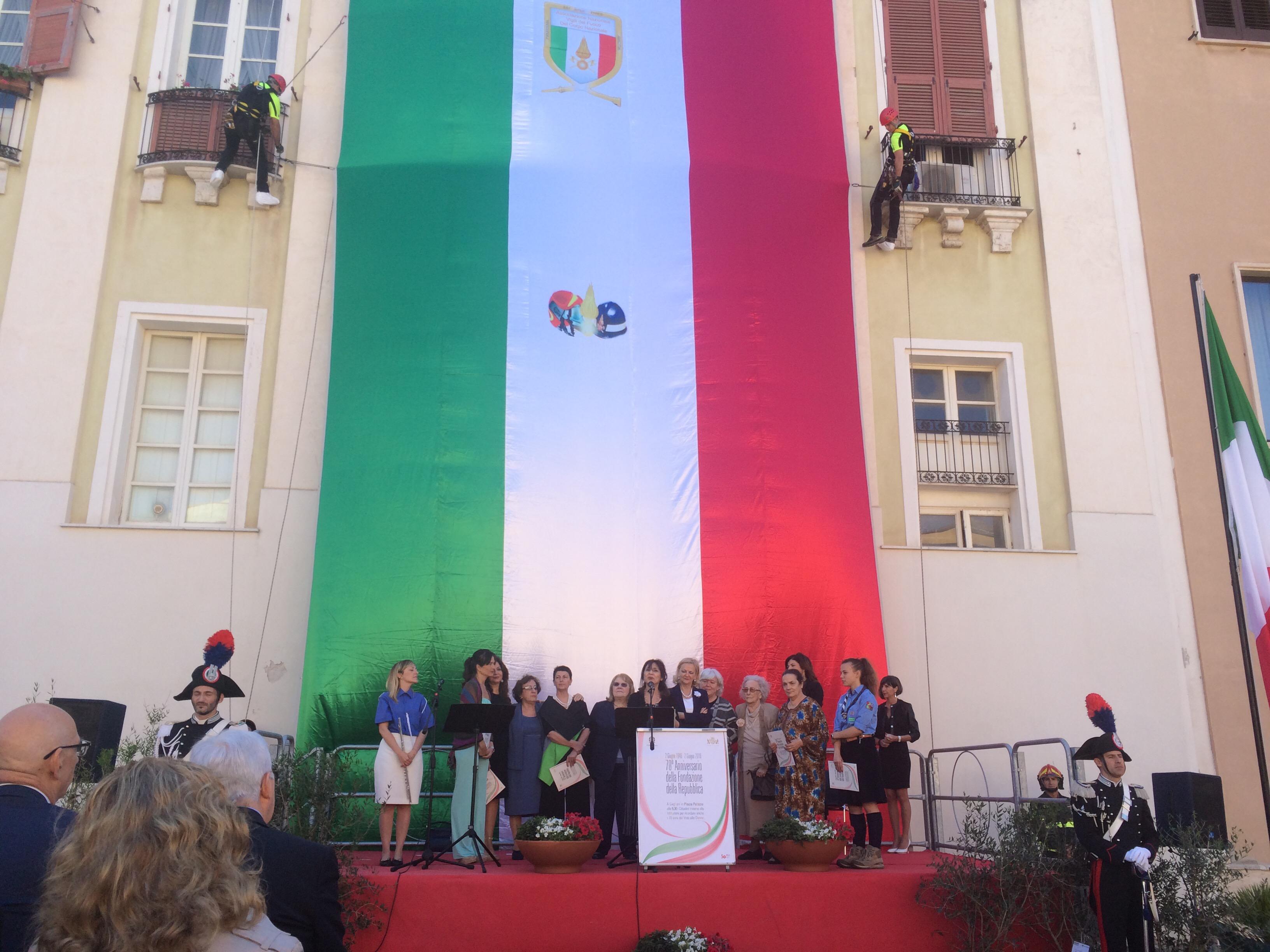 Festa della Repubblica, singolare femminile